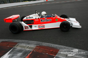 #26 Frank Lyons McLaren M26, 1976