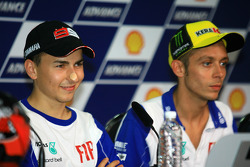 Post-qualifying press conference: pole winner Valentino Rossi, Fiat Yamaha Team with second place Jorge Lorenzo, Fiat Yamaha Team