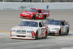 Brad Keselowski, Penske Racing Dodge, Casey Mears, Richard Childress Racing Chevrolet