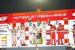 GT500 Championship podium: champions #36 Petronas Tom's SC430: Juichi Wakisaka, Andre Lotterer, second place #8 Arta NSX: Ralph Firman, Takuya Izawa, third place #1 Motul Autech GT-R: Satoshi Motoyama, Benoit Treluyer
