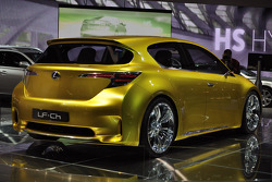 Lexus LF-Ch hybrid