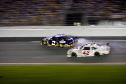 Kurt Busch, Penske Racing Dodge and Juan Pablo Montoya, Earnhardt Ganassi Racing Chevrolet collide