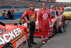 Jamie McMurray, Earnhardt Ganassi Racing Chevrolet and Juan Pablo Montoya, Earnhardt Ganassi Racing Chevrolet