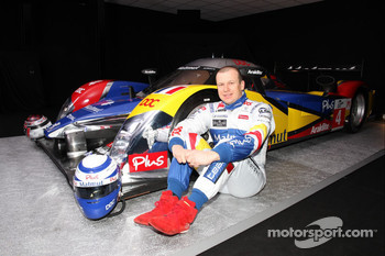 Olivier Panis with the ORECA-Matmut Peugeot 908 HDi FAP