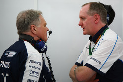 Patrick Head, WilliamsF1 Team, Director of Engineering with General Manager of Cosworth's F1 Business Unit Mark Gallagher
