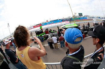 Fans enjoy pitlane action