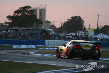 #4 Corvette Racing Chevrolet Corvette ZR1: Olivier Beretta, Oliver Gavin, Emmanuel Collard