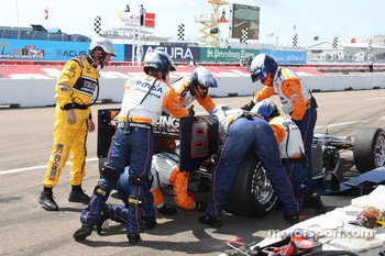Pit stop for Ernesto Viso, KV Racing Technology
