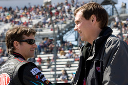 Jeff Gordon, Hendrick Motorsports Chevrolet talks with crew chief Steve Letarte