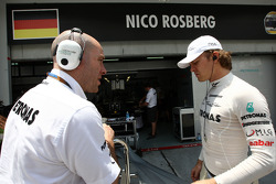 Jock Clear, Mercedes GP, Senior Race Engineer, Nico Rosberg, Mercedes GP