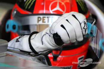 Michael Schumacher, Mercedes GP, glove