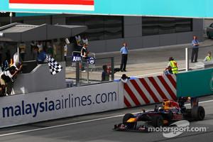 Sebastian Vettel, Red Bull Racing takes the checkered flag