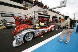 Pit stop for #7 Audi Sport Team Joest Audi R15 TDI: Rinaldo Capello, Allan McNish