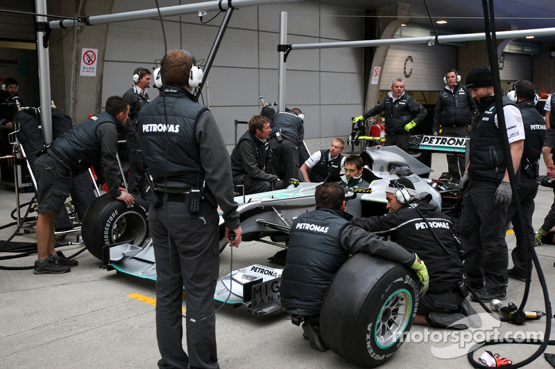 Pitstop practice, the car of Nico Rosberg, Mercedes GP