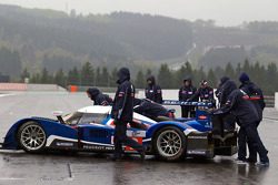 Team Peugeot Total prepares a team photoshoot