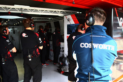 A Cosworth Engineer looks into the Virgin garage