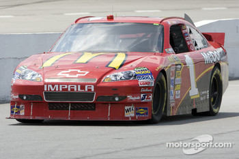 Jamie McMurray, Earnhardt Ganassi Racing Chevrolet sets new record and grabs pole