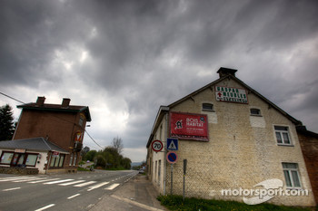 Tour of the old Spa Francorchamps track: the houses on the track after Masta