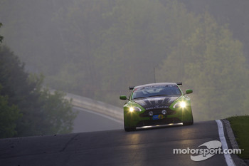 #6 Aston Martin Vantage V12: Chris Porritt, Richard Meaden, Oliver Mathai, Peter Cate
