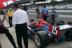 Paul Tracy, KV Racing Technology gets a fill up before qualifying