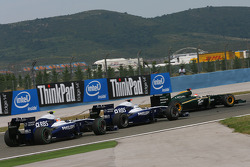 Nico Hulkenberg, Williams F1 Team with Rubens Barrichello, Williams F1 Team and Jarno Trulli, Lotus F1 Team