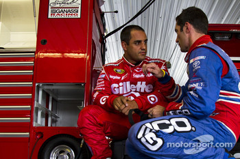 Juan Pablo Montoya, Earnhardt Ganassi Racing Chevrolet and Max Papis, Germain Racing Toyota