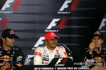 Mark Webber, Red Bull Racing, Lewis Hamilton, McLaren Mercedes and Sebastian Vettel, Red Bull Racing