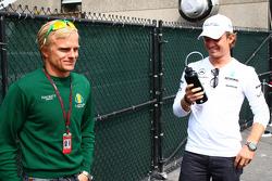 Heikki Kovalainen, Lotus F1 Team, Nico Rosberg, Mercedes GP Petronas