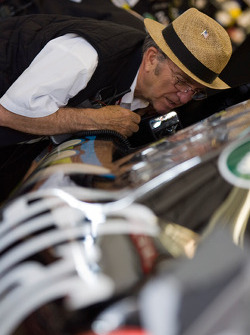 Jack Roush talks with Carl Edwards