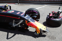 The damaged Red Bull Racing RB12 of Max Verstappen, Red Bull Racing