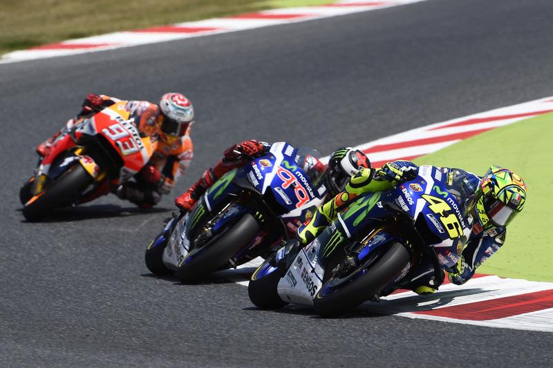[Image: motogp-catalan-gp-2016-valentino-rossi-y...racing.jpg]