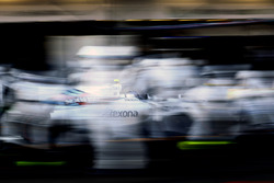 Valtteri Bottas, Williams FW38, comes in for a pit stop