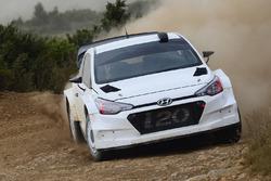 Hyundai i20 WRC 2017 testing