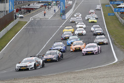 Start action, Robert Wickens (CAN) Mercedes-AMG Team HWA, Mercedes-AMG C63 DTM leads