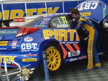 77 Andrew Jordan making final preparations for the race
