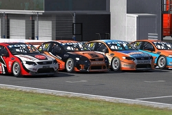 Four-wide at the start of Phillip Island 2014 Season 2