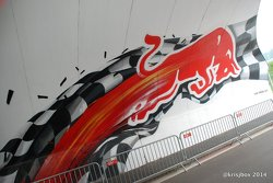 Awesome tunnel artwork