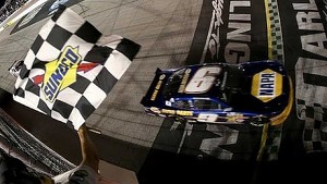 Final Laps: Elliott tames Darlington in first start