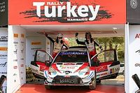 Evans gana un Rally de Turquía de locos y es líder en el WRC