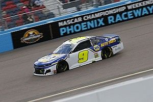Chase Elliott repete feito do pai e conquista título da NASCAR