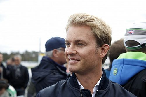 """Rosberg: """"Vettel sürmeyi unutmadı, sorun araçta"""""""