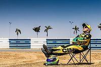 Massa reinventa la célebre foto de Alonso tomando el sol