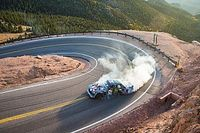VÍDEO: Ken Block sobe Pikes Peak com carro de 1.400 cv