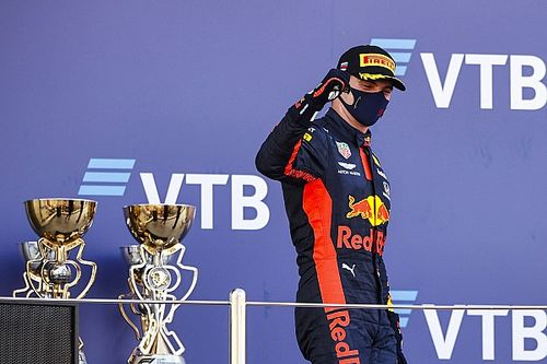 Internationale media over Verstappen en straf Hamilton in Rusland
