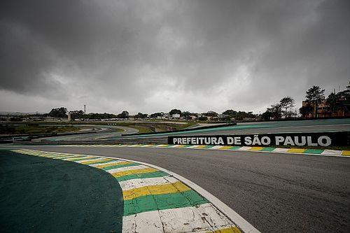 VÍDEO: Carro 'invade' Interlagos e congestiona saída dos boxes da pista paulistana