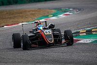 Флерш вернулась за руль гоночной машины впервые после аварии в Макао