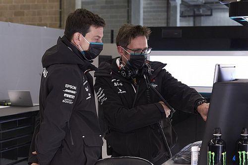 Wolff elmondta, szívesen látná-e Hamilton mellett Verstappent