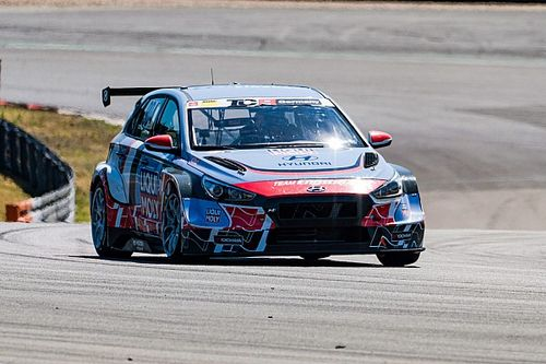 Clamorosa Pole Position per Neuville al debutto in TCR Germany