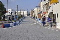 日本初の公道レースついに開催へ……昼からのレースに向け、江津駅前で準備進む