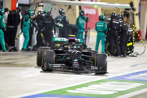 Why Bottas changed three tyres at his last stop in Bahrain